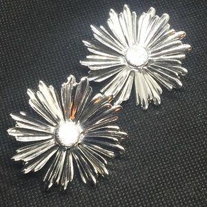 Vintage Silver Tone Daisy Flower Clip On Earrings